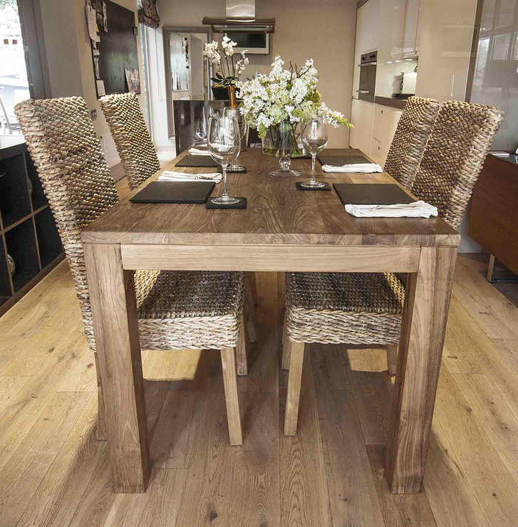 The Tutuk 160cm Reclaimed Dining Table And 4 Banana Leaf