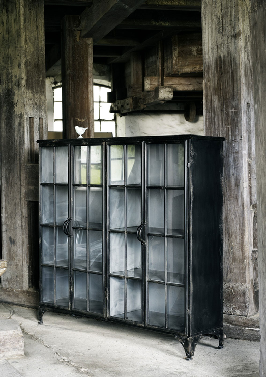 Charmant Double Metal Display Cabinet Black Distressed Design Image 4