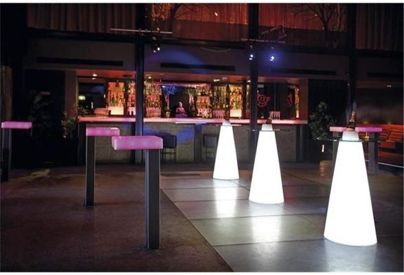 Peak (light) bar table image 3