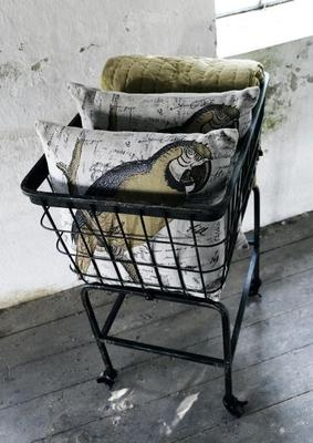 Wheeled Metal Basket Iron Mesh image 3