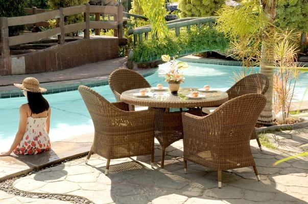 Salama San Marino Outdoor Table With Glass
