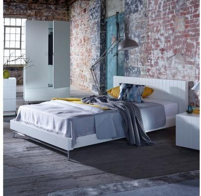 Barcelona Contemporary Kingsize Bed with Grid Texture - White image 3