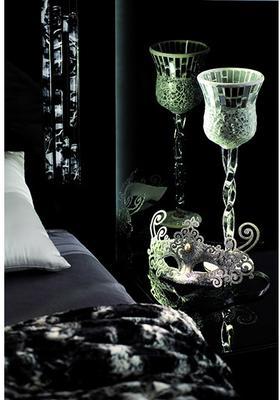 Murano bed image 7