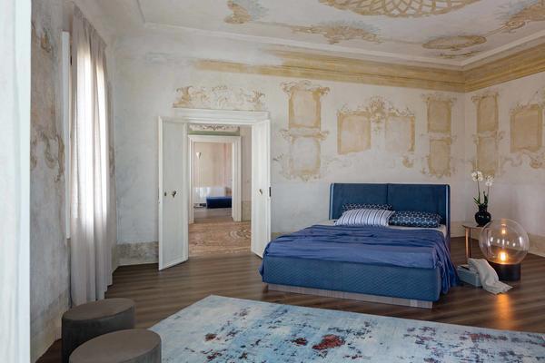 Elysee Aura (King) bed