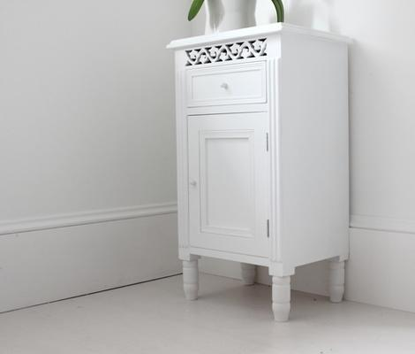 Simple Side Cabinet