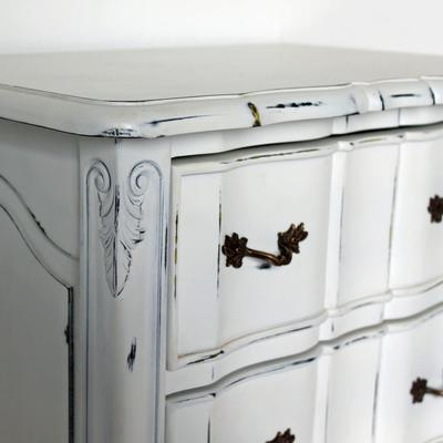 Ripple French-Style Bedside Table with Three Drawers image 3