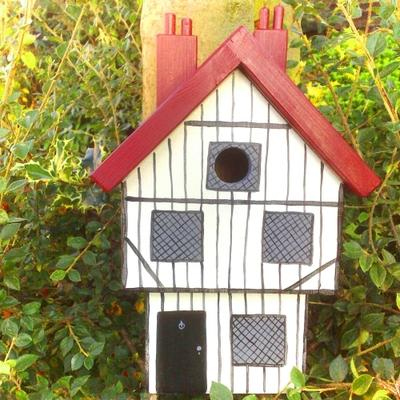 Handmade Tudor House Bird Box image 2