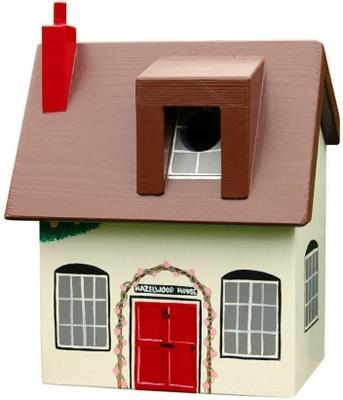 Handmade Cottage Bird Box image 4