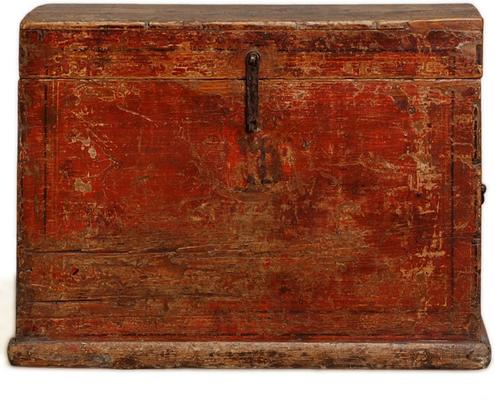 Mongolian Painted Trunk image 2