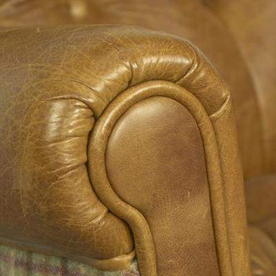 Vintage Leather Imperial Buttoned Armchair image 18