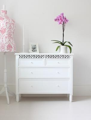 Simple French Chest image 4