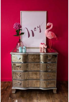 Venetian Bow Fronted 4 Drawer Chest image 5