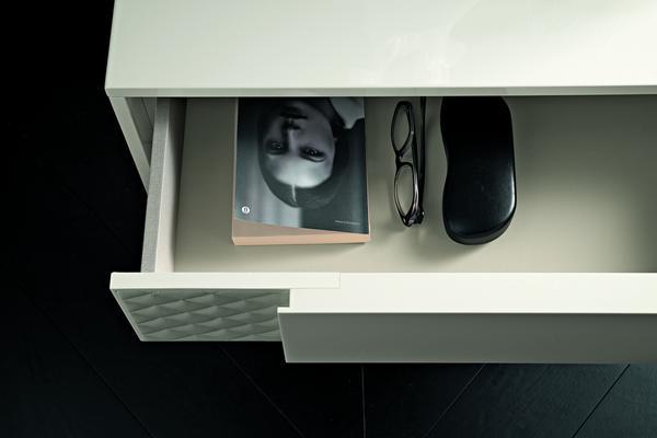 Nightfly 4 drawer dresser image 4