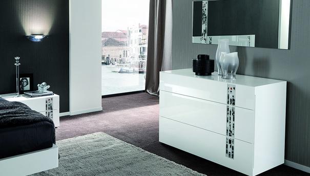 Murano 3 drawer dresser