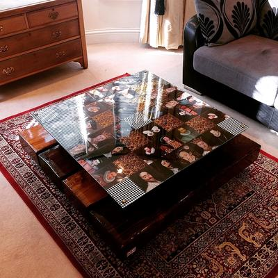 Checkered Kings Coffee Table with glass top image 4