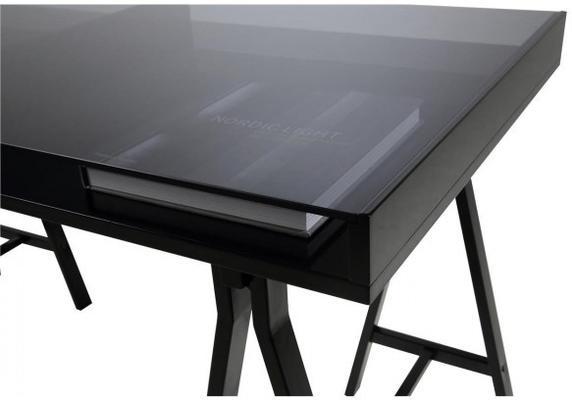 Spazio desk image 2