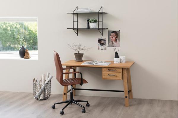 Stockhelm (Wild Oak) desk image 5