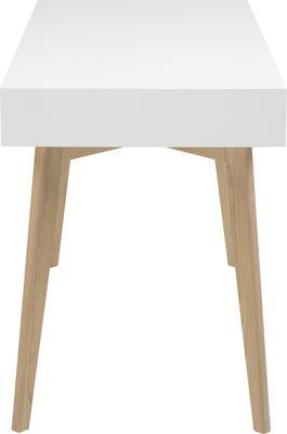 Tessi desk image 3