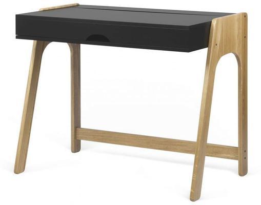 Aura desk image 4