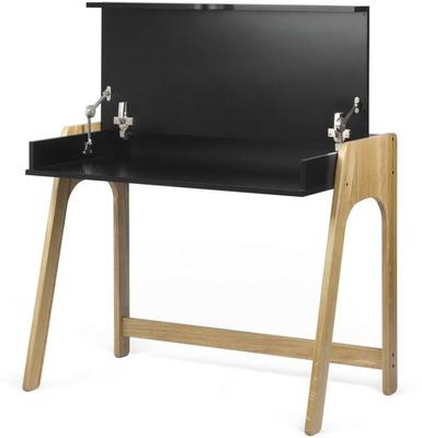 Aura desk image 6