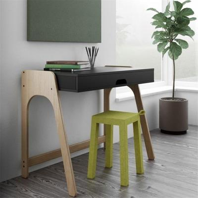 Aura desk image 12