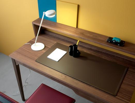 Pad desk image 7