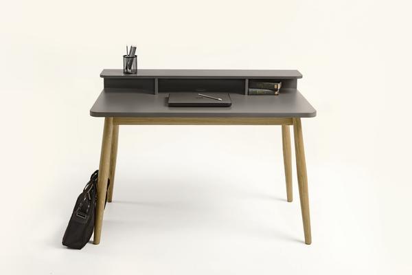 Farsta desk image 3