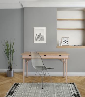 Solo desk image 5
