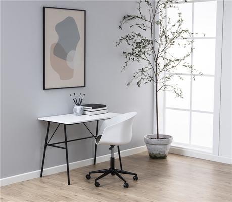 Pastal desk image 6