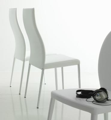 Marylin dining chair image 3