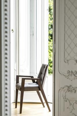 Royal dining chair (with arms) image 5