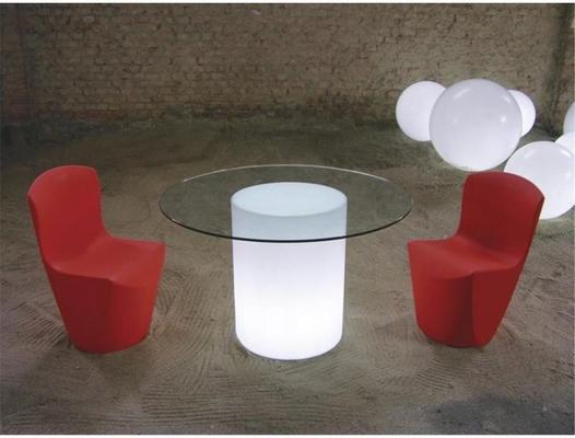 Arthur (light) dining table
