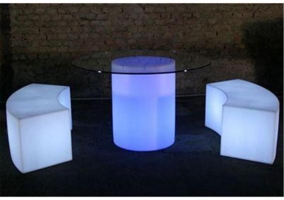 Arthur (light) dining table image 5