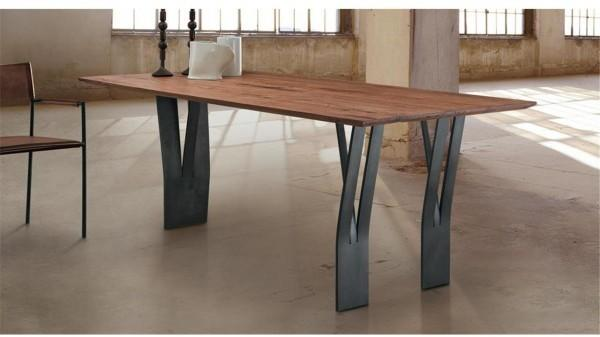 Clipper dining table