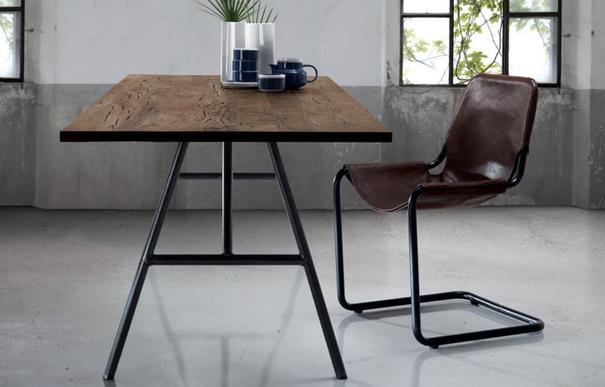 Trapezio dining table image 3