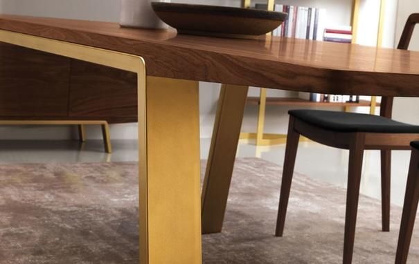 Arco dining table image 4