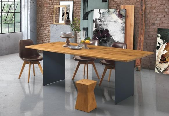 Dallas dining table image 4