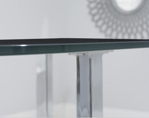 Abingdon dining table image 10