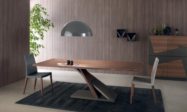 Zed dining table