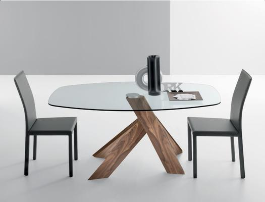 Moa dining table