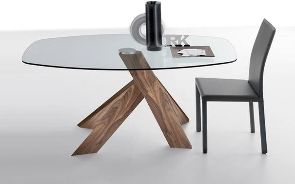 Moa dining table image 2