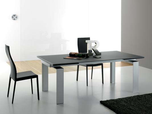 Alu glass extending dining table