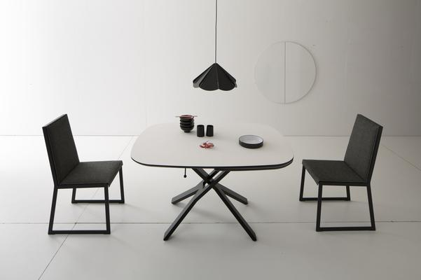 Play dining / coffee table image 6