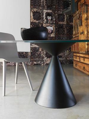 Dama round dining table image 2