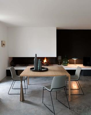 Engo (Art) dining table