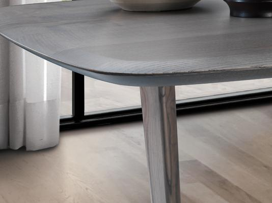 Vento dining table image 3