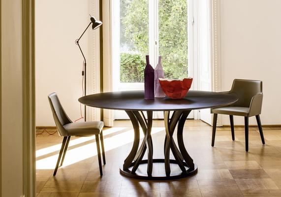 Dorico (round) dining table image 5