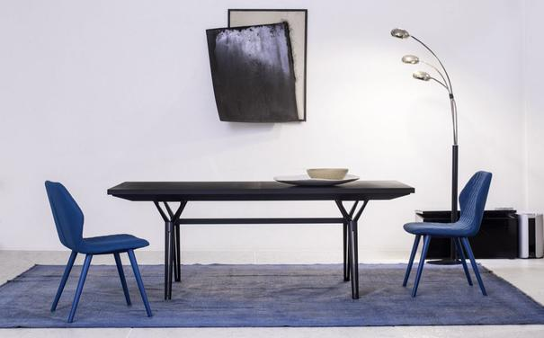 Epsilon extending dining table image 6