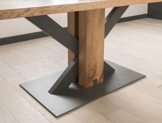 Lindar dining table image 4