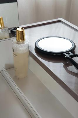 Elysee dressing table image 4